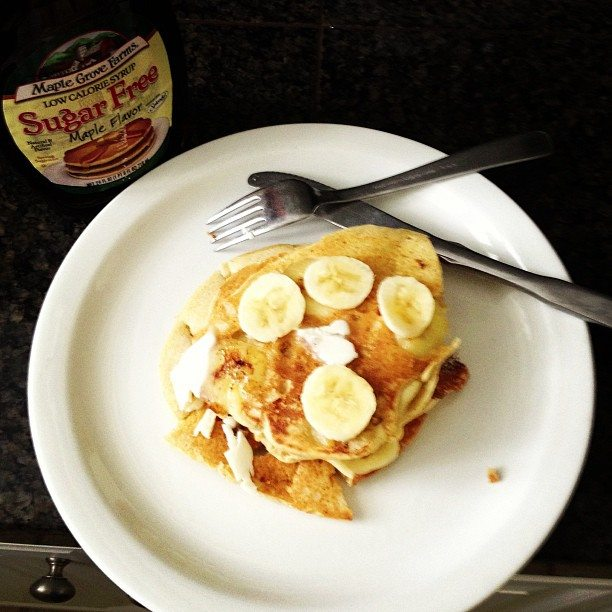 Makin' Banana Pancakes