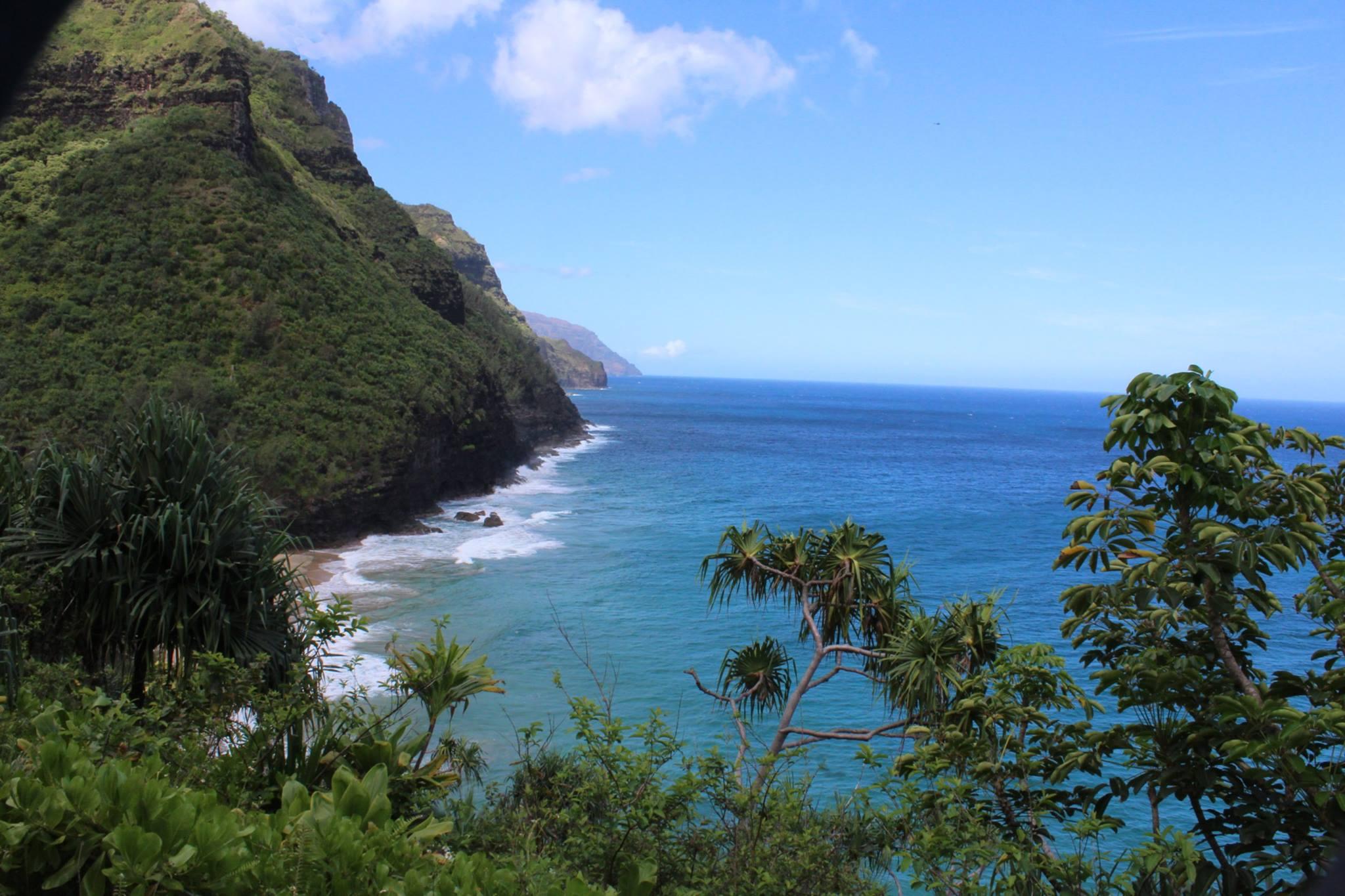 Tips For Hiking The Nā Pali Coast - Kalalau Valley & Trail - CommuniKait