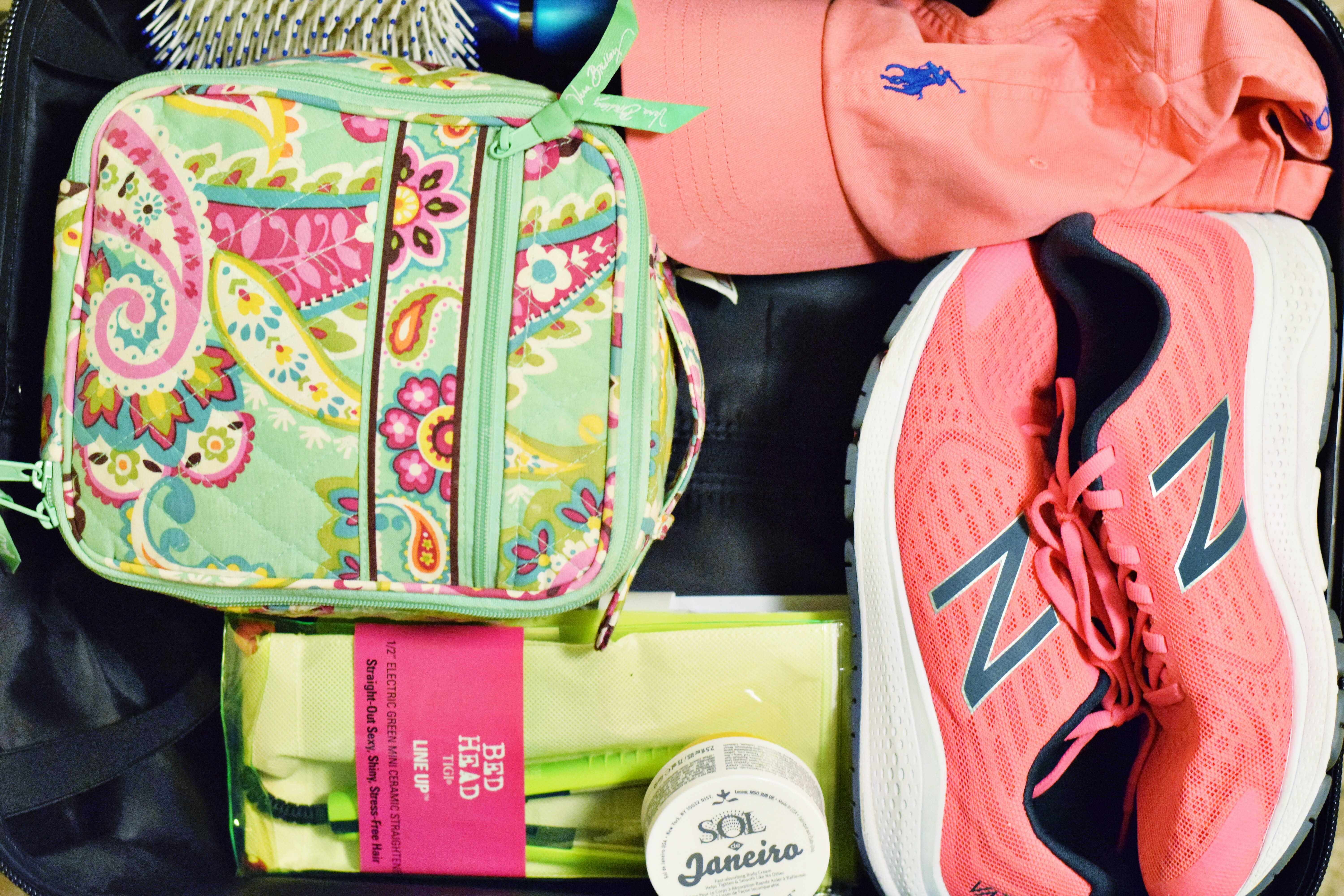 How I Packed For Tahiti In A 21-Inch Bag - How To Travel With Only A Carry On - Tips For Packing - Travel Packing - Packing Light For Vacation - Communikait by Kait Hanson