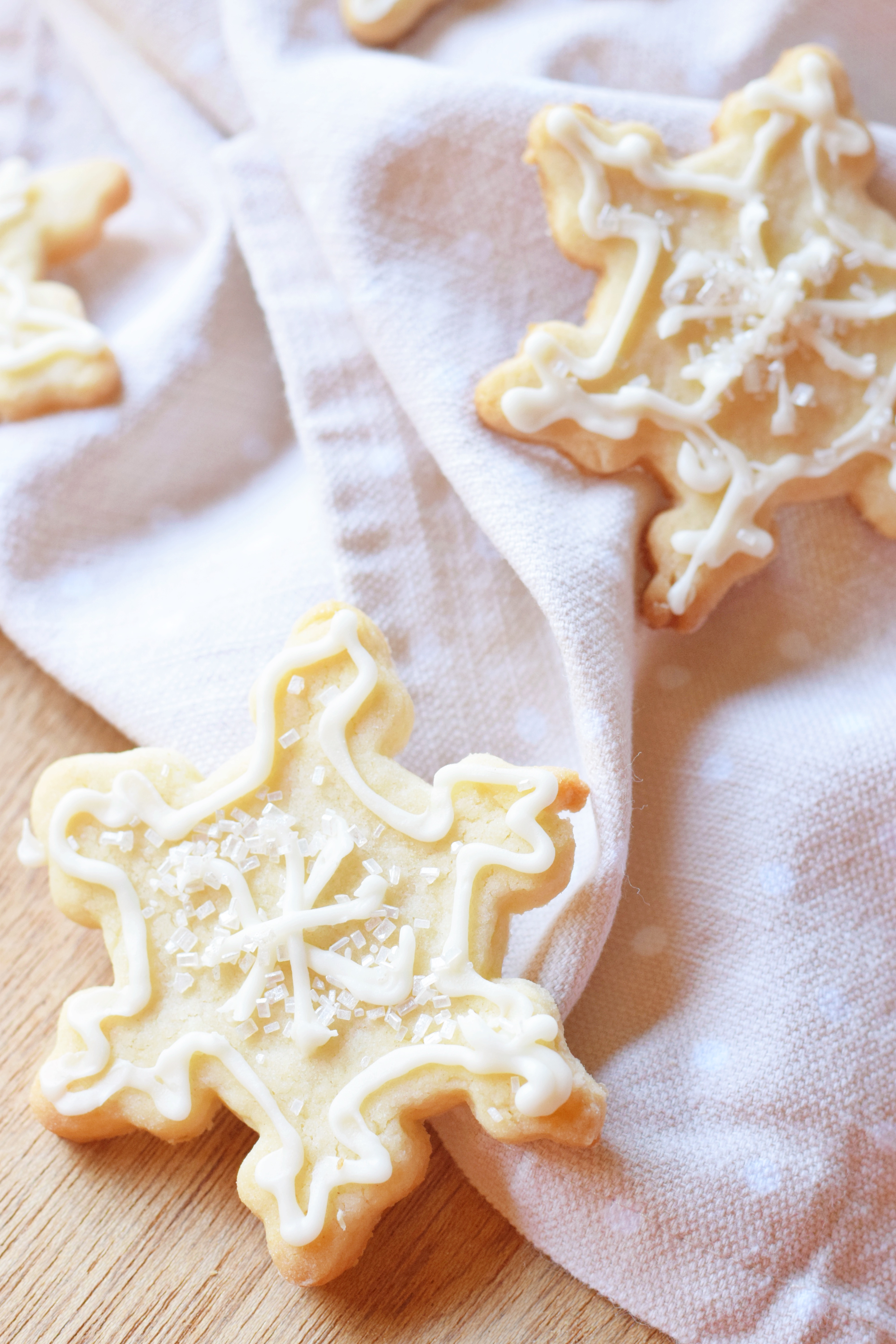 How To Make Perfect Royal Icing In 3 Minutes - Royal Icing Recipe - Royal Icing Without Meringue Powder - Royal Icing With Egg Whites - Communikait by Kait Hanson