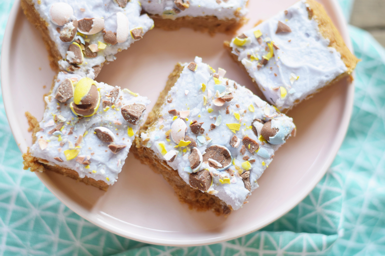 Brown Butter Ghee Cookie Bars - Cookie Bar Recipe - Easy Dessert Recipe - Gluten Free Cookie - Brown Butter Cookies - Ghee Recipe - Brown Butter Ghee Sauce - Easter Dessert - Communikait by Kait Hanson