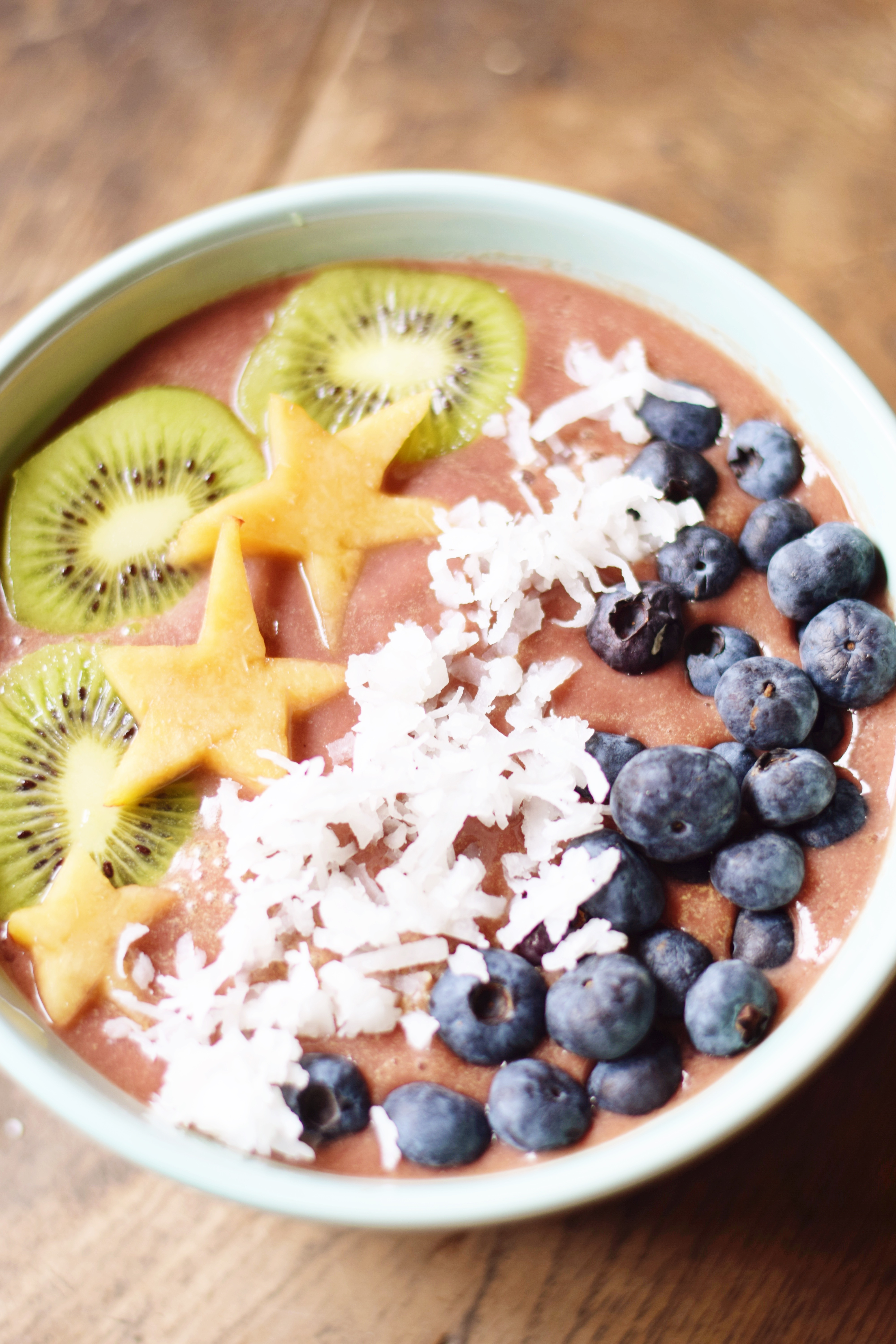 Easy Pineapple Acai Bowl - Acai Bowl Recipe - Easy Acai Bowl - Sambazon Acai Recipe - Acai Bowl Acai Packet - Simple Acai Smoothie Bowl - How To Make Acai Bowls - Hawaii Acai Bowl - Tropical Fruit Smoothie Bowl - Communikait by Kait Hanson