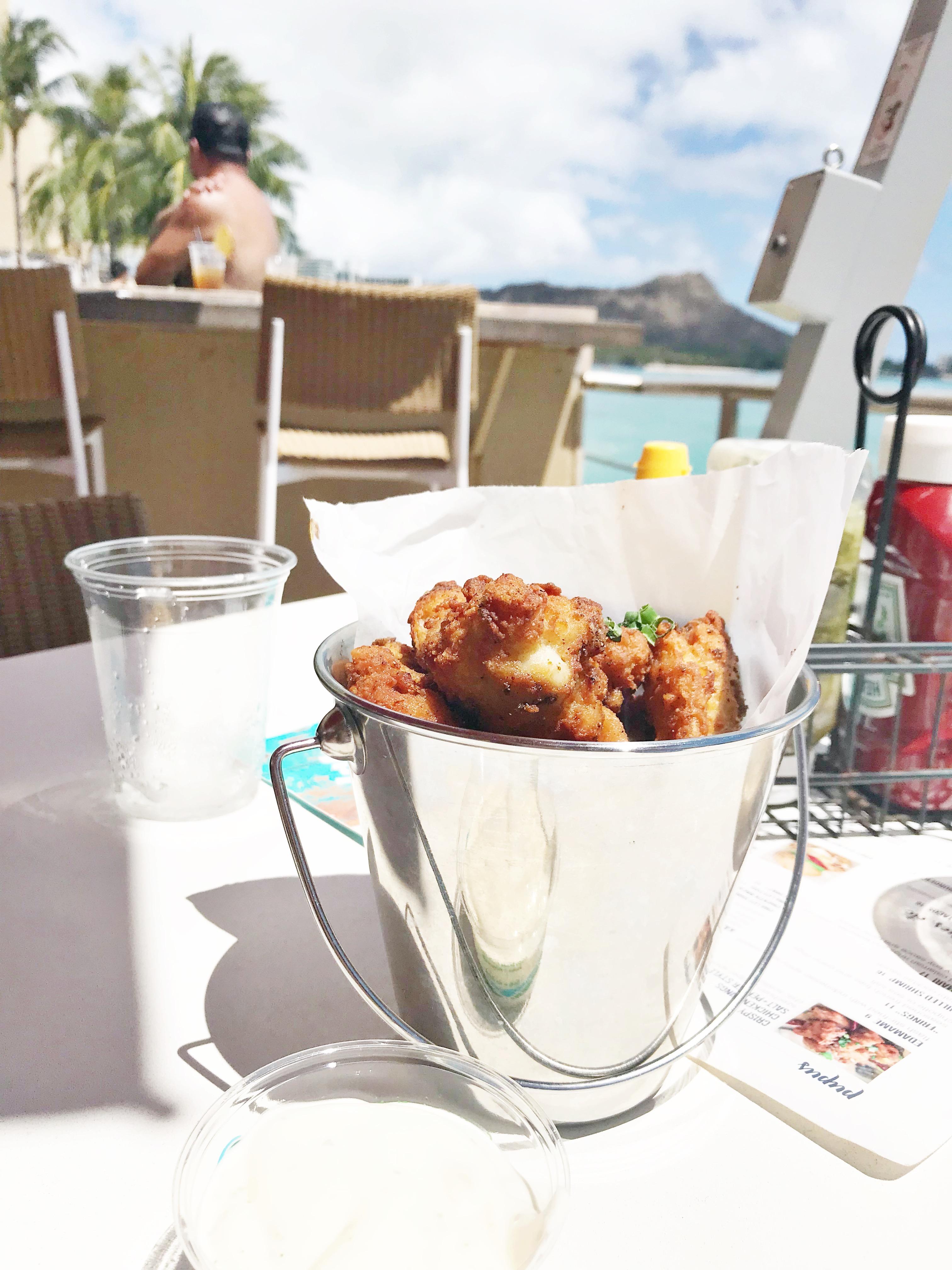 Our Stay At Sheraton Waikiki - Sheraton Hotels Hawaii - Sheraton Waikiki Room - Sheraton Waikiki Resort - Honolulu Hotels - Oahu Hotels - Hawaii Hotel - Resorts In Hawaii - Honolulu Resort - Communikait by Kait Hanson #honolulu #hawaii #beachresort #hawaiihotel #sheratonwaikiki #sheraton #starwoodhotels