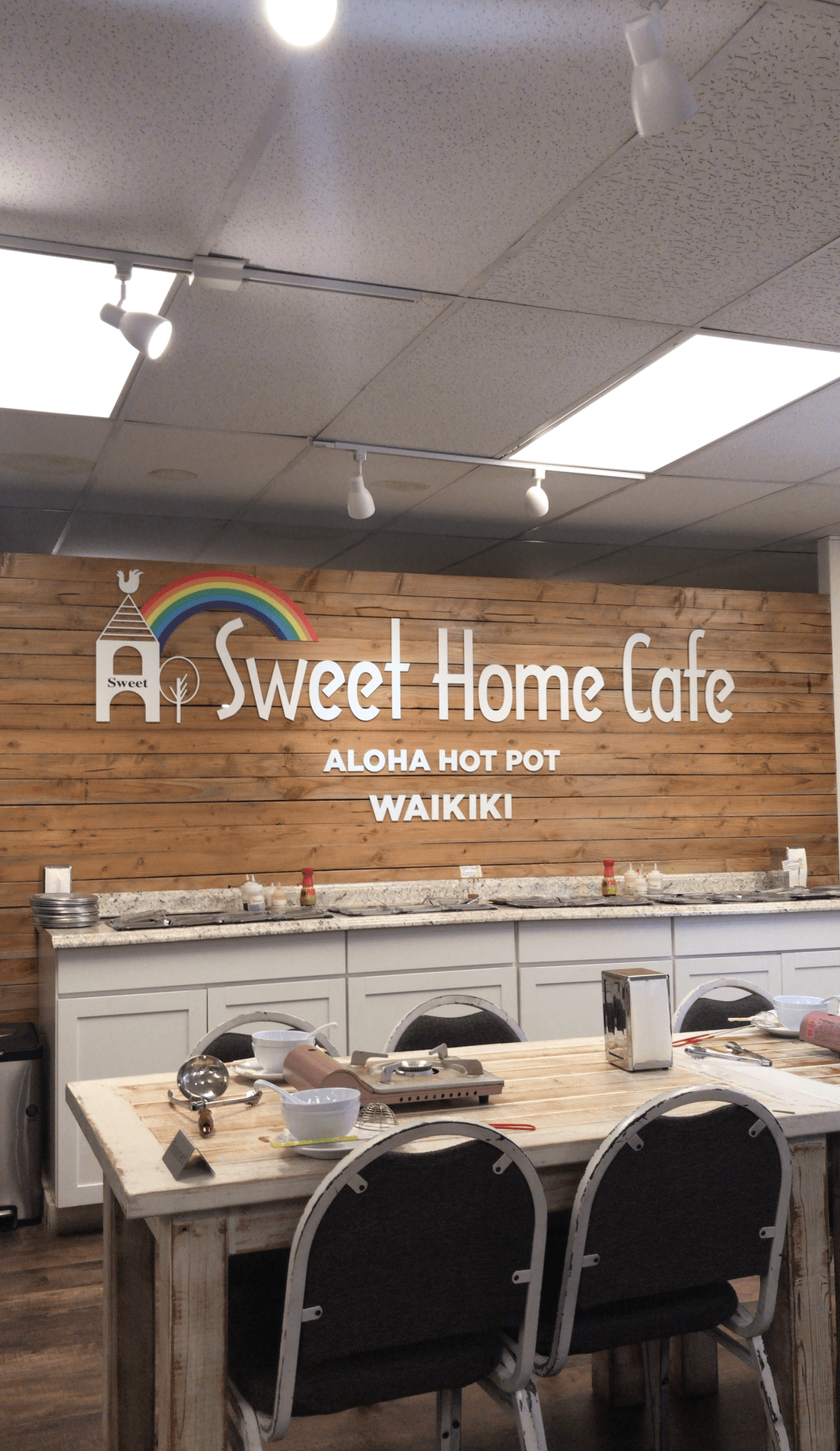 Sweet Home Cafe Aloha Hot Pot - Our Stay At Outrigger Waikiki Beach Resort | Outrigger Waikiki On The Beach - Outrigger Waikiki - Outrigger Waikiki Beach Resort - Outrigger Reef Waikiki - Outrigger Hotel Review - Waikiki Hotels - Waikiki Beach Hotels - Hawaii Vacation Planning - Where to stay on Oahu - Where to stay in Honolulu - Honolulu Vacation #hawaii #oahu #outriggerwaikiki