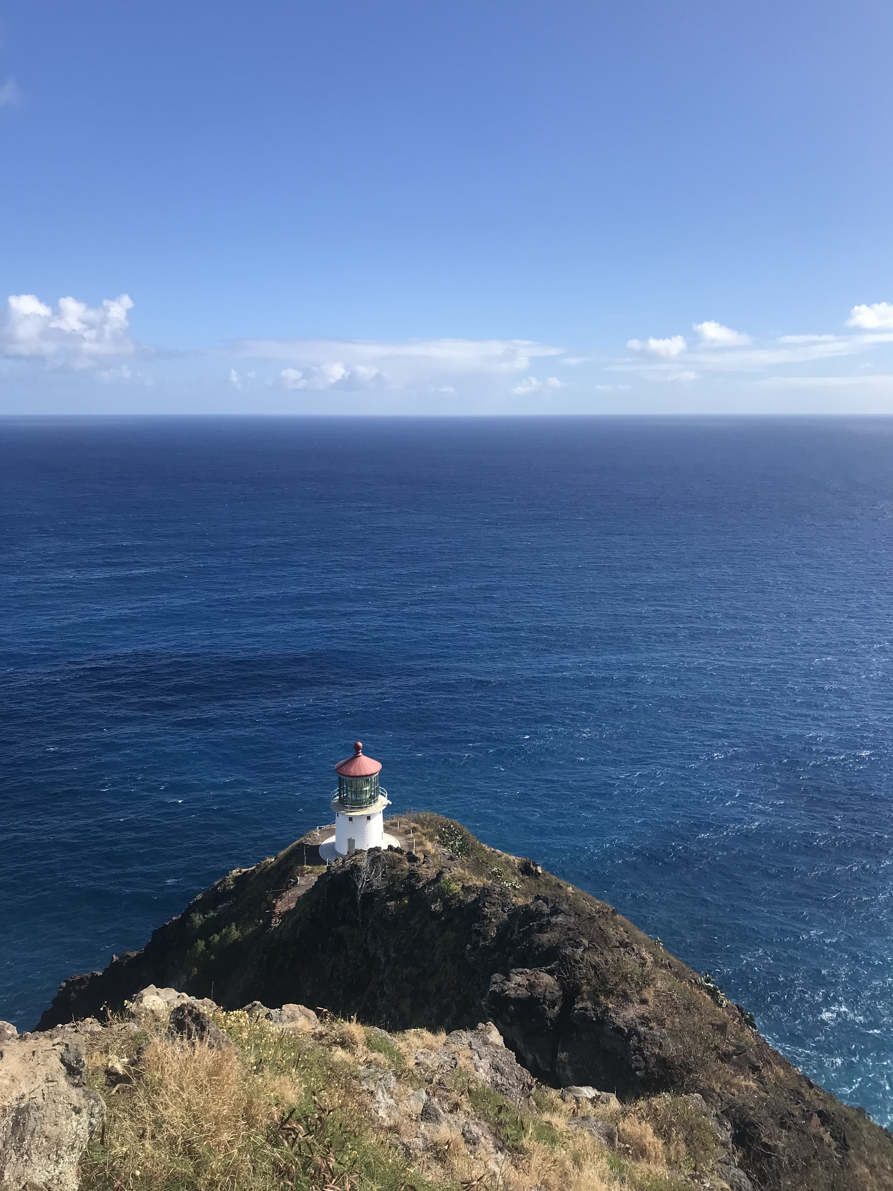 HIKING IN HAWAII: MAKAPUU LIGHTHOUSE TRAIL | An easy hike on Oahu that is fun for hikers of all ages along a paved path that offers beautiful views at the top! - Makapuu Lighthouse - Makapuu Lighthouse Trail - Makapuu Lighthouse Hike - Makapuu Point Lighthouse - Makapuu Lighthouse Trail Hours - Easy Hikes Oahu - Oahu Hikes - Oahu Hikes For Kids - Oahu Hikes For Families - Easy Oahu Hikes - Short Oahu Hikes - #oahu #travel #hawaii