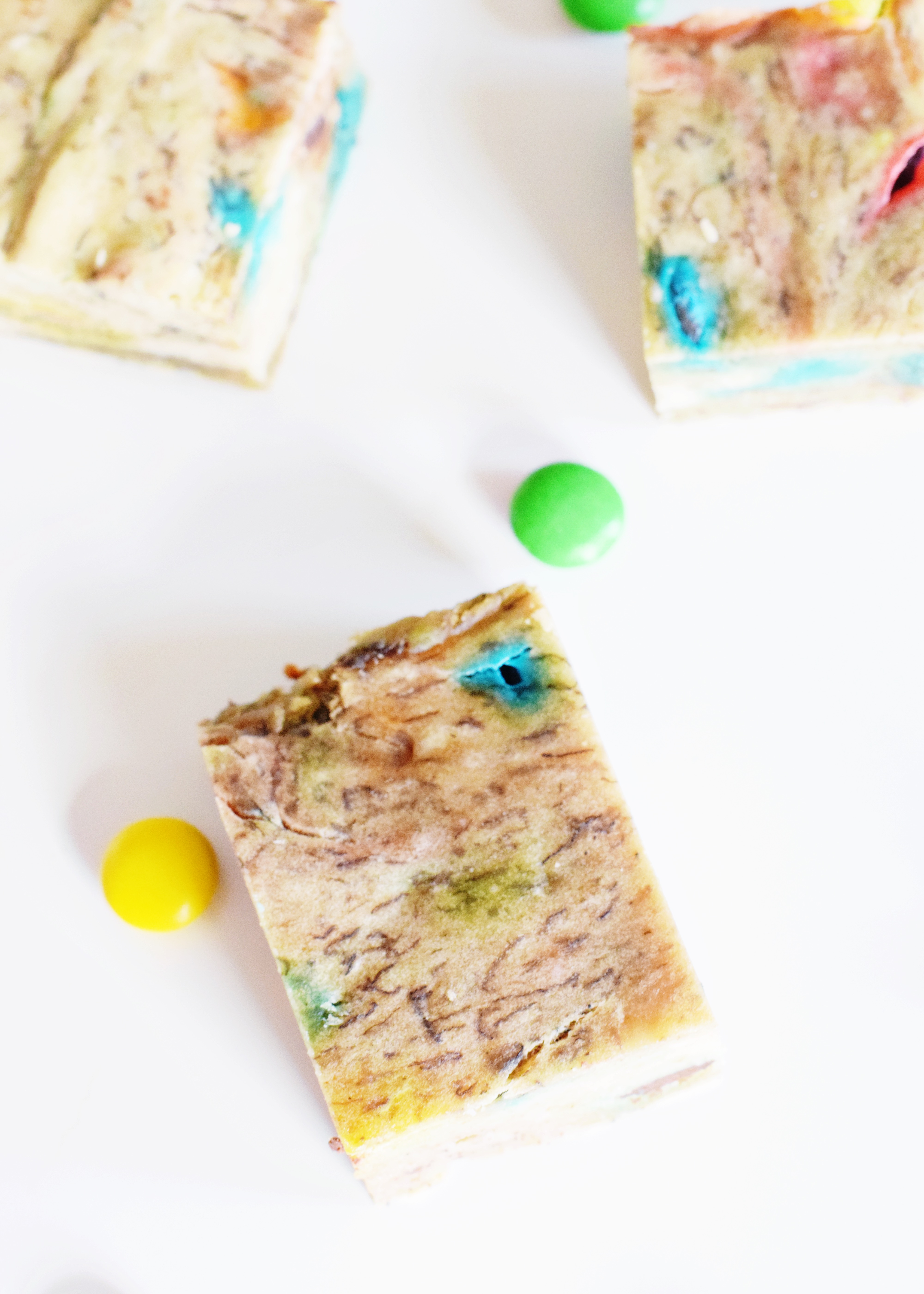 Banana Protein Bars - A special secret ingredient for moisture and protein! - CommuniKait
