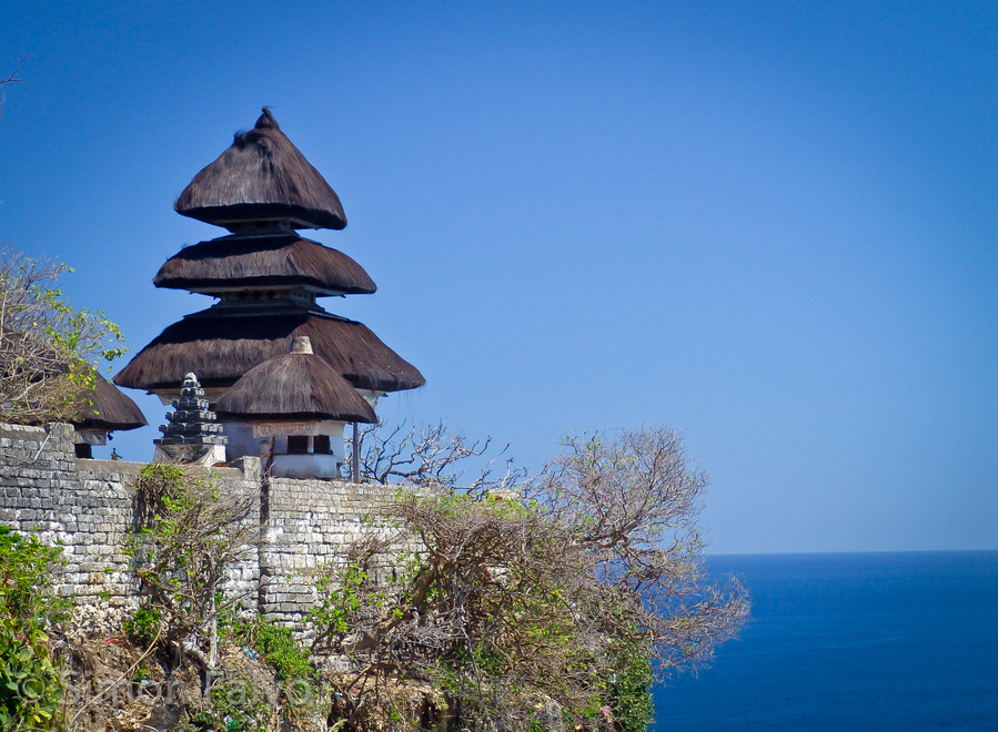 Uluwatu Temple - Communikait