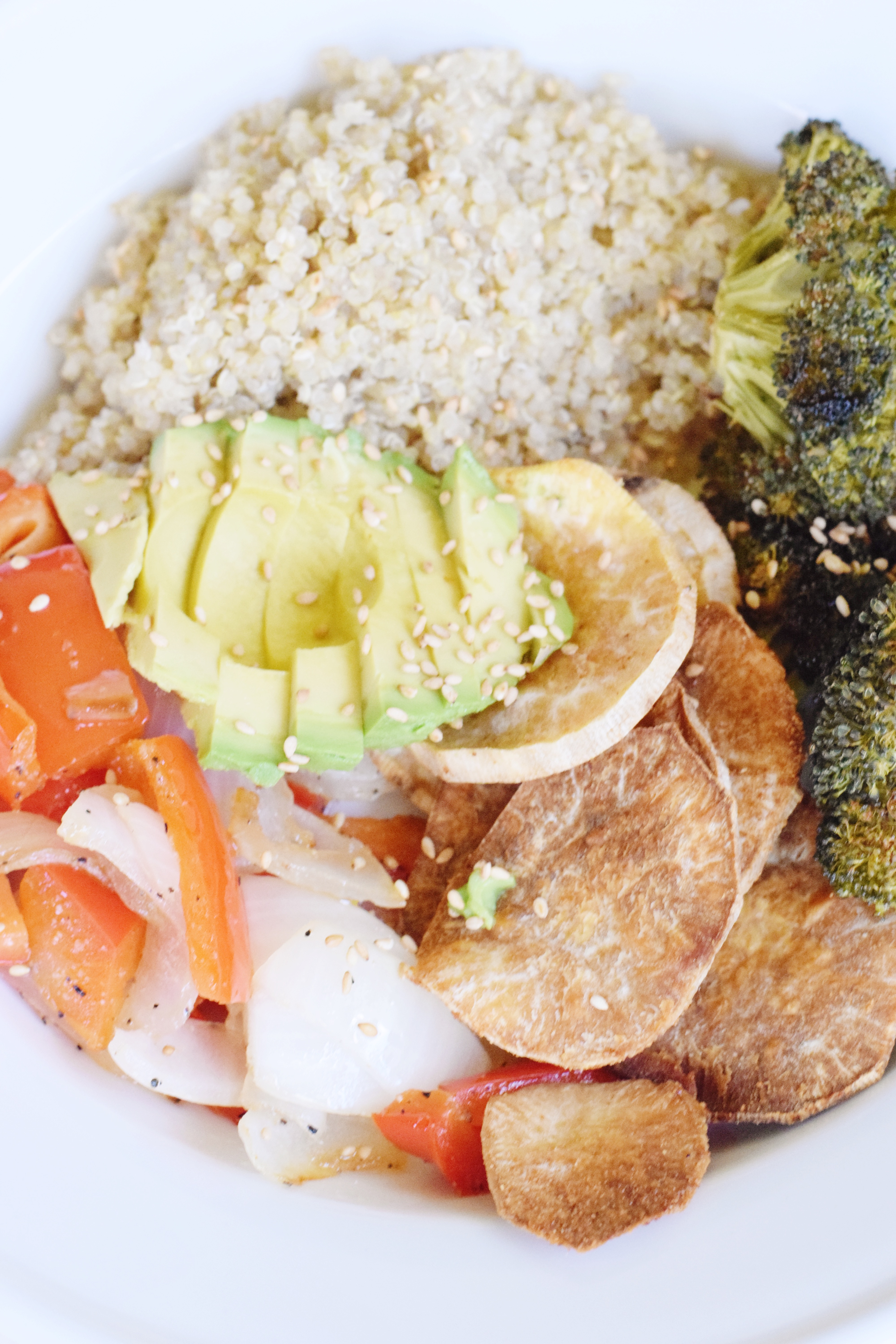 Beach Buddha Bowl - an all-veggie bowl topped with a simple sauce that is filling and delicious! - Vegetarian - Vegan - Dairy Free - Healthy Dinner Idea - Communikait