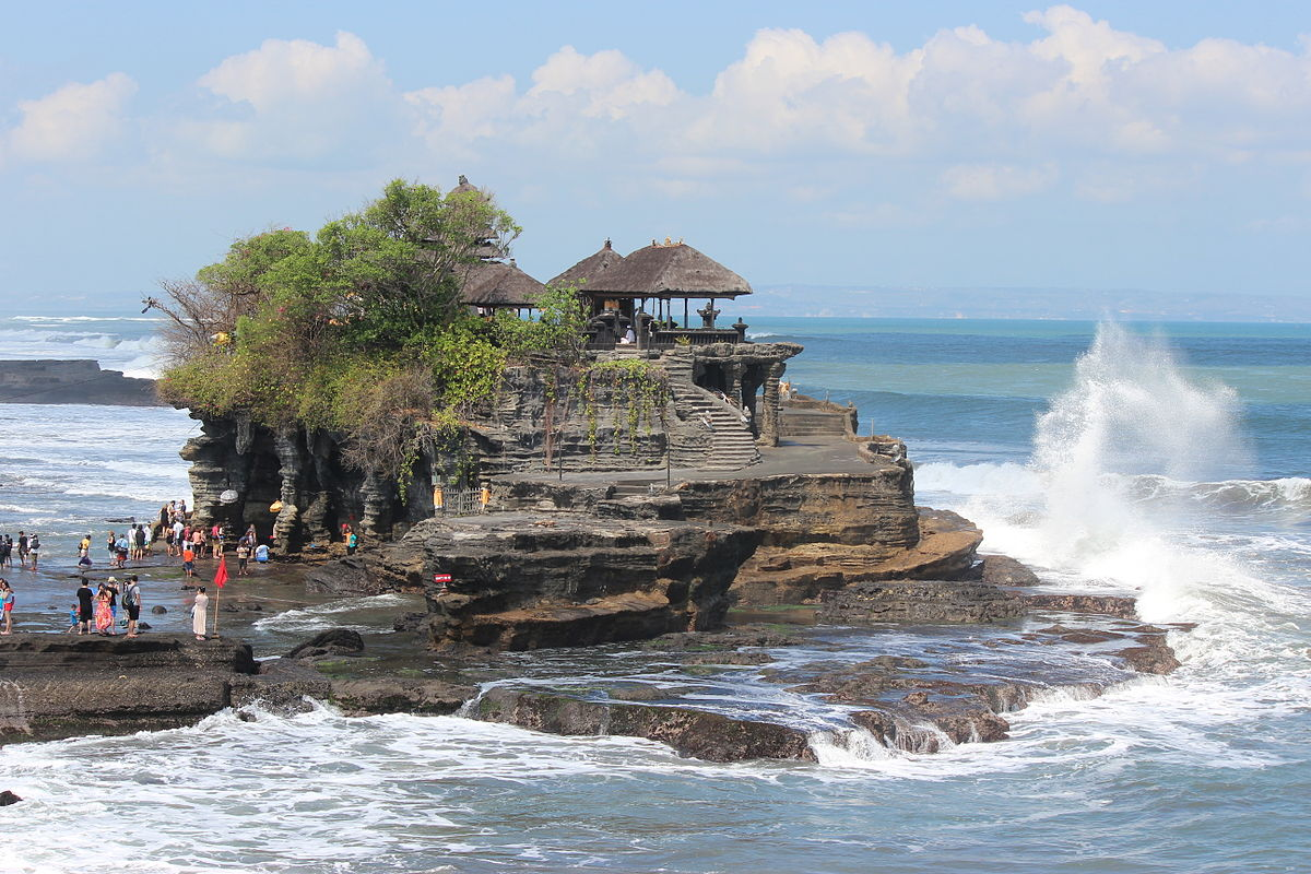 Tanah Lot - Bali Bucket List - CommuniKait