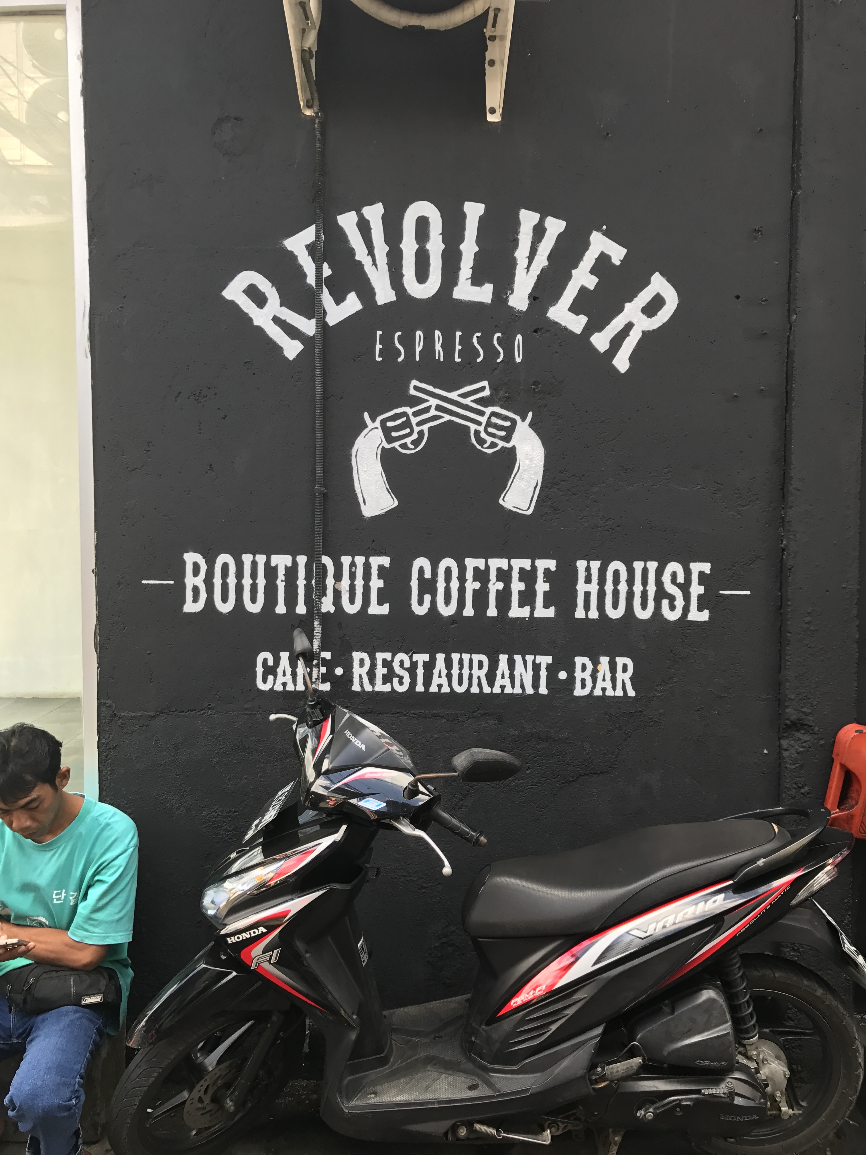 Revolver Espresso - Bali, Indonesia - Our Bali Trip - Communikait- Best Places To Eat In Bali - Best Food In Bali