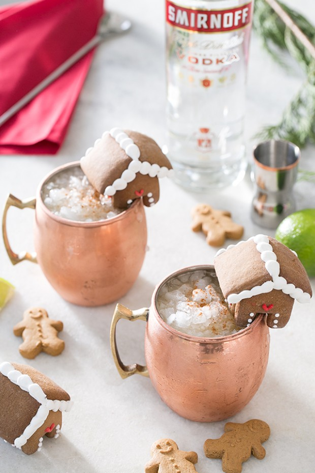 Gingerbread Moscow Mule - 12 Festive Cocktails For Any Holiday Occasion - Communikait by Kait Hanson