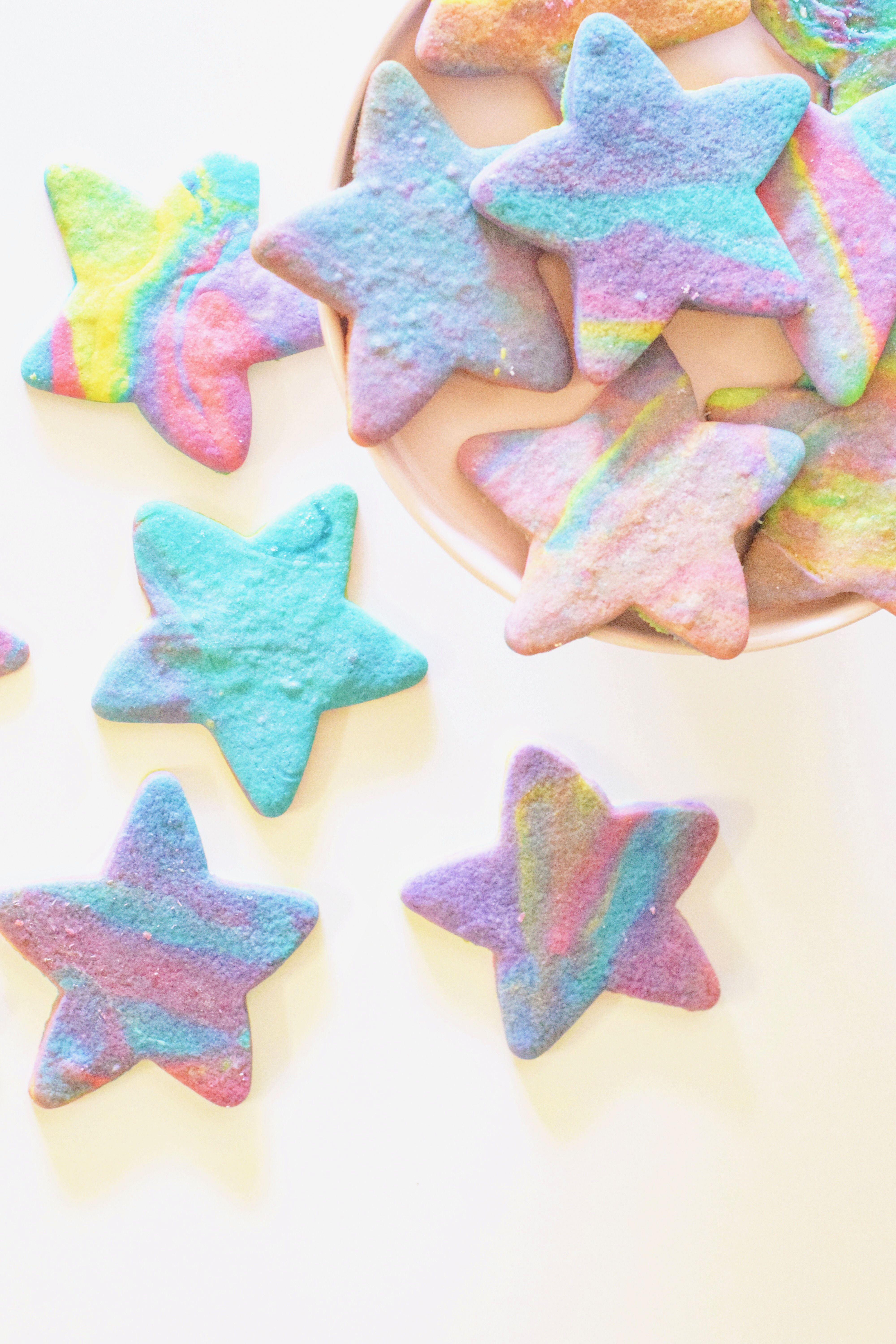 Northern Lights Sugar Cookies - Super-easy classic sugar cookies inspired by the beautiful Aurora Borealis, or Northern Lights, sky show!   Tie Dye Sugar Cookies - Best Ever Sugar Cookies - Easy Sugar Cookies - Northern Lights Cookies