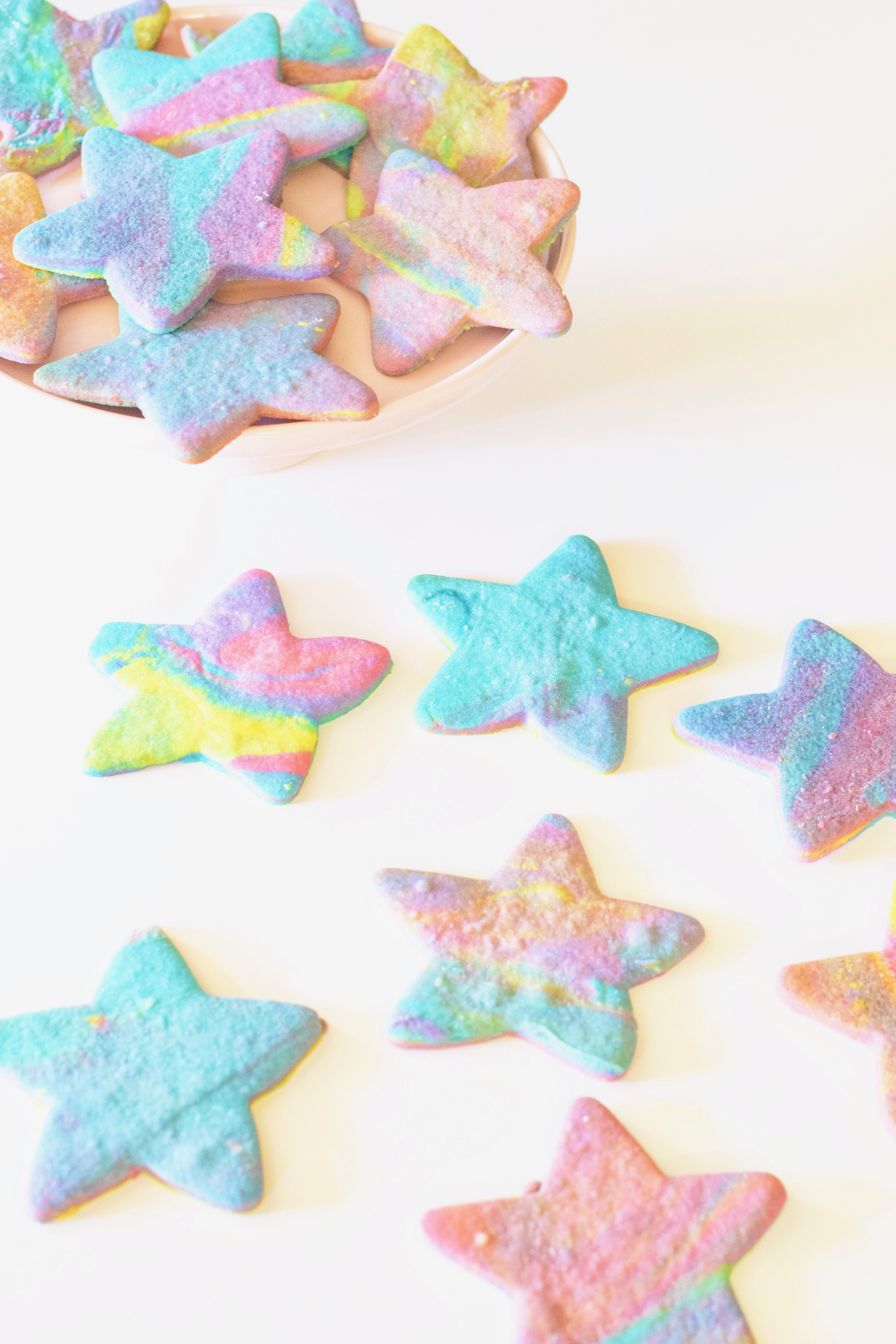 Northern Lights Sugar Cookies - #glutenfree #sugarcookie #recipe #easydessert #northernlights
