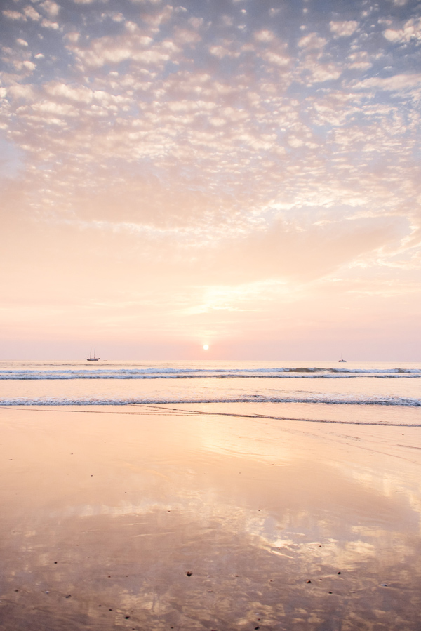 5 Reasons Why Sunsets Are Good For Your Health - Costa Rick Sunset - Sunset Photos - Vacation Sunset - Kristen M Brown - Samba to the Sea
