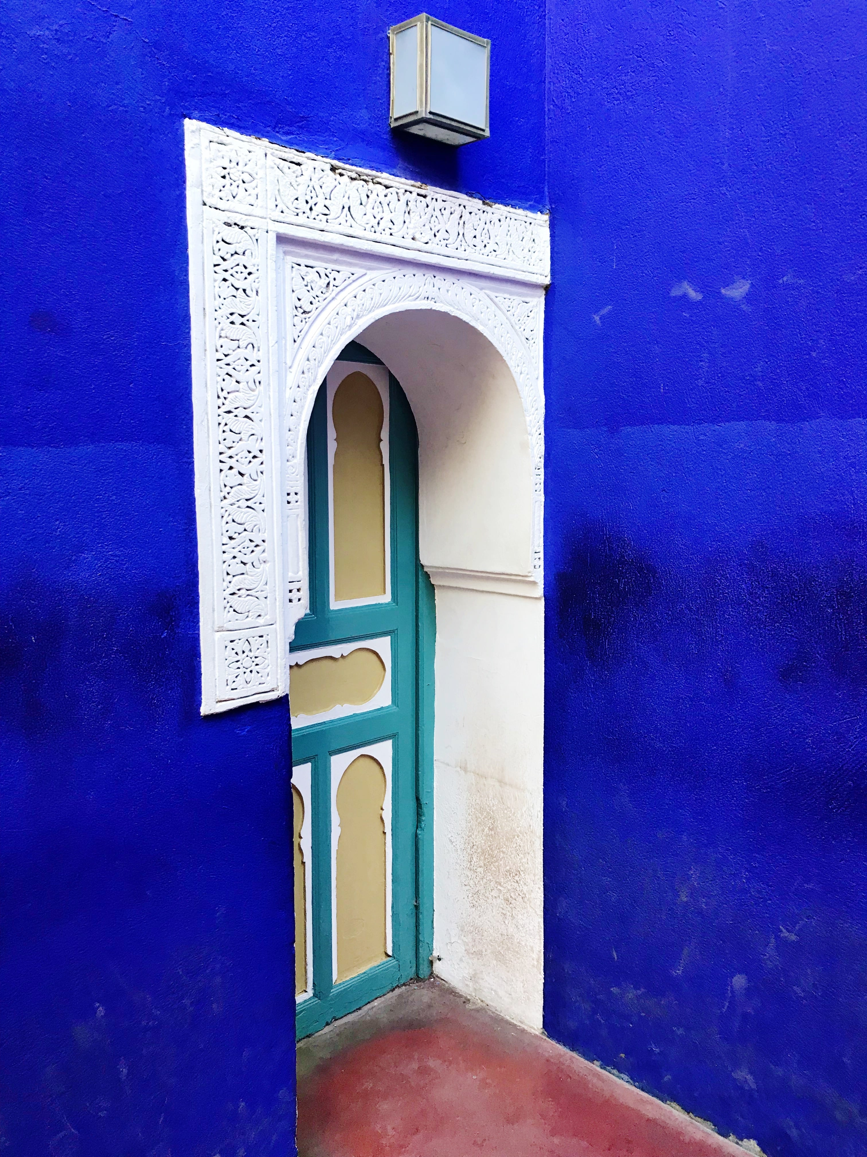 MARRAKECH TRAVEL GUIDE + TIPS | Majorelle Gardens - Marrakech Travel Guide - Marrakech Travel - Marrakech Morocco - Shopping In Marrakech - What To See In Marrakech - What To Do In Marrakech - Marrakech Travel Blog - Marrakech Hotels - Marrakech Weather - Marrakesh - Morocco Travel Blog - #morocco #travel #marrakech