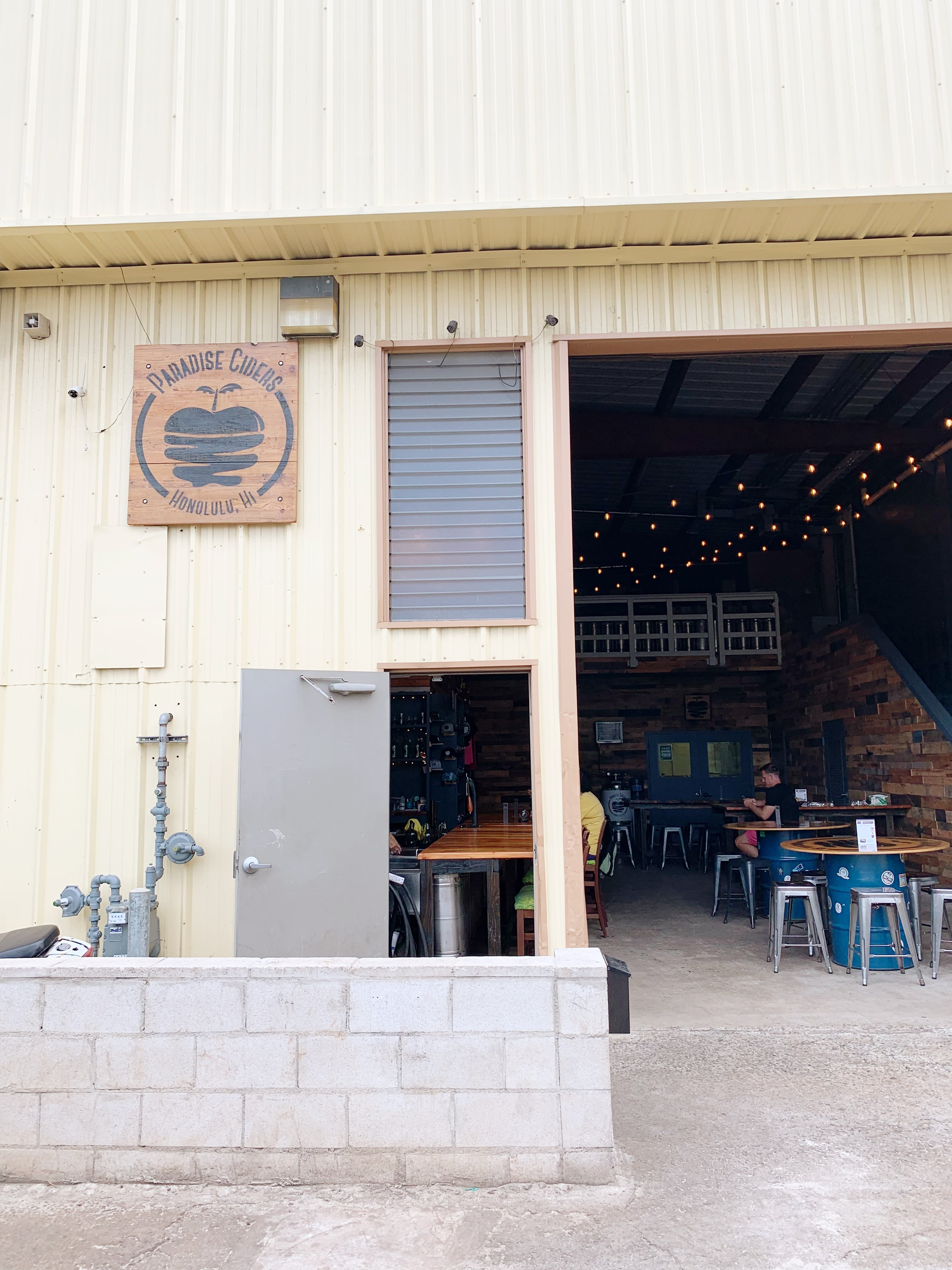 Visiting Paradise Ciders - Hawaii's First Cider Company - Oahu Hawaii Cider - Breweries and Distilleries in Hawaii - Hard Cider Hawaii - What to do on Oahu