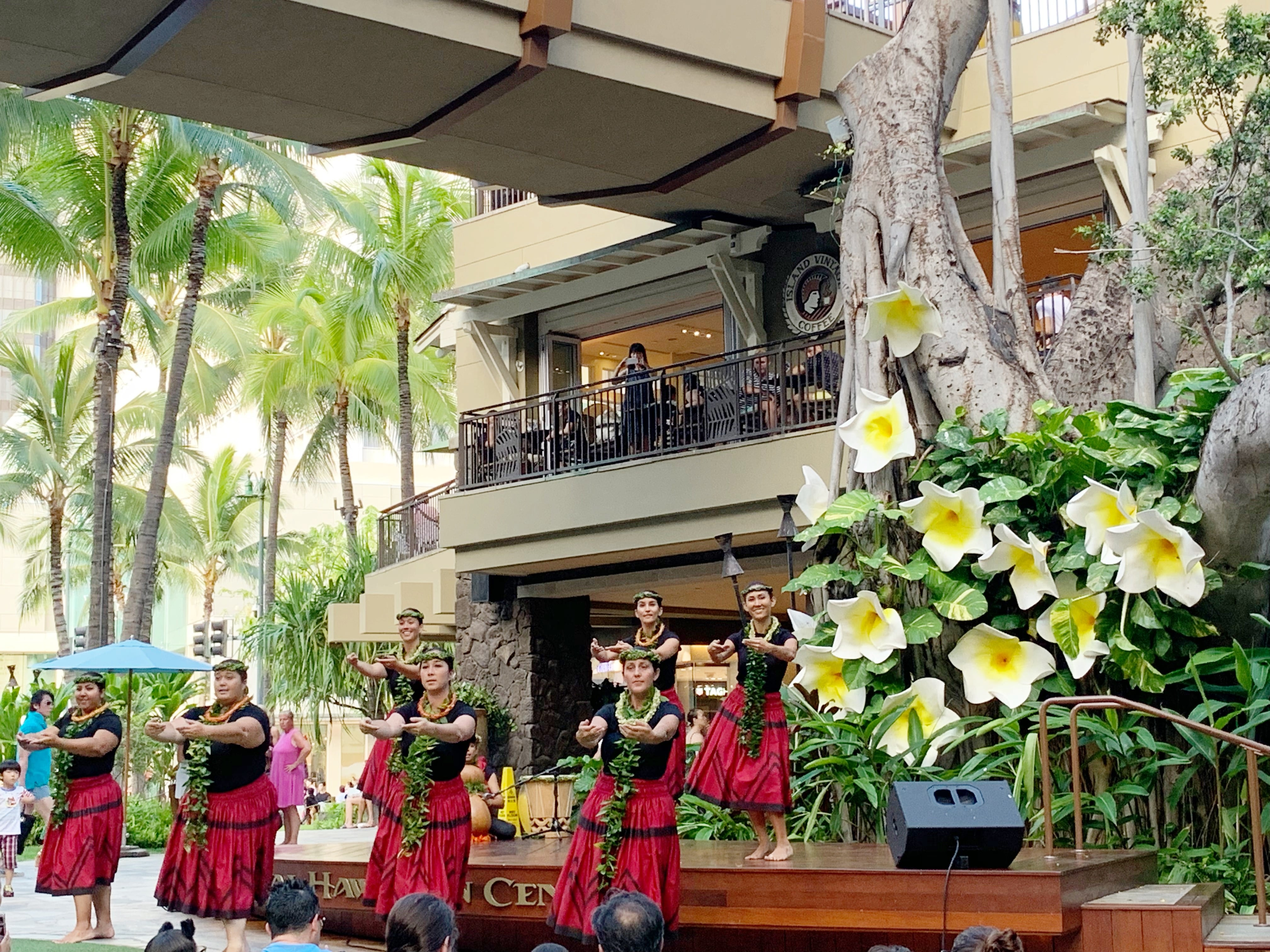 Free Hula Performance At Royal Hawaiian Center - Enjoy a complimentary hula performance on Saturday nights at Royal Hawaiian Center in Honolulu, Hawaii! | Royal Hawaiian Center - Free Activities in Hawaii - Oahu Hawaii