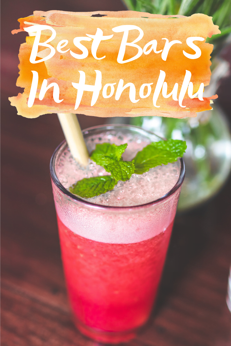 BEST BARS IN HONOLULU | Best Bars In Honolulu - Looking for the best bar in Honolulu? Here is where to find the most delicious cocktails and maybe even a tiki drink in Honolulu!