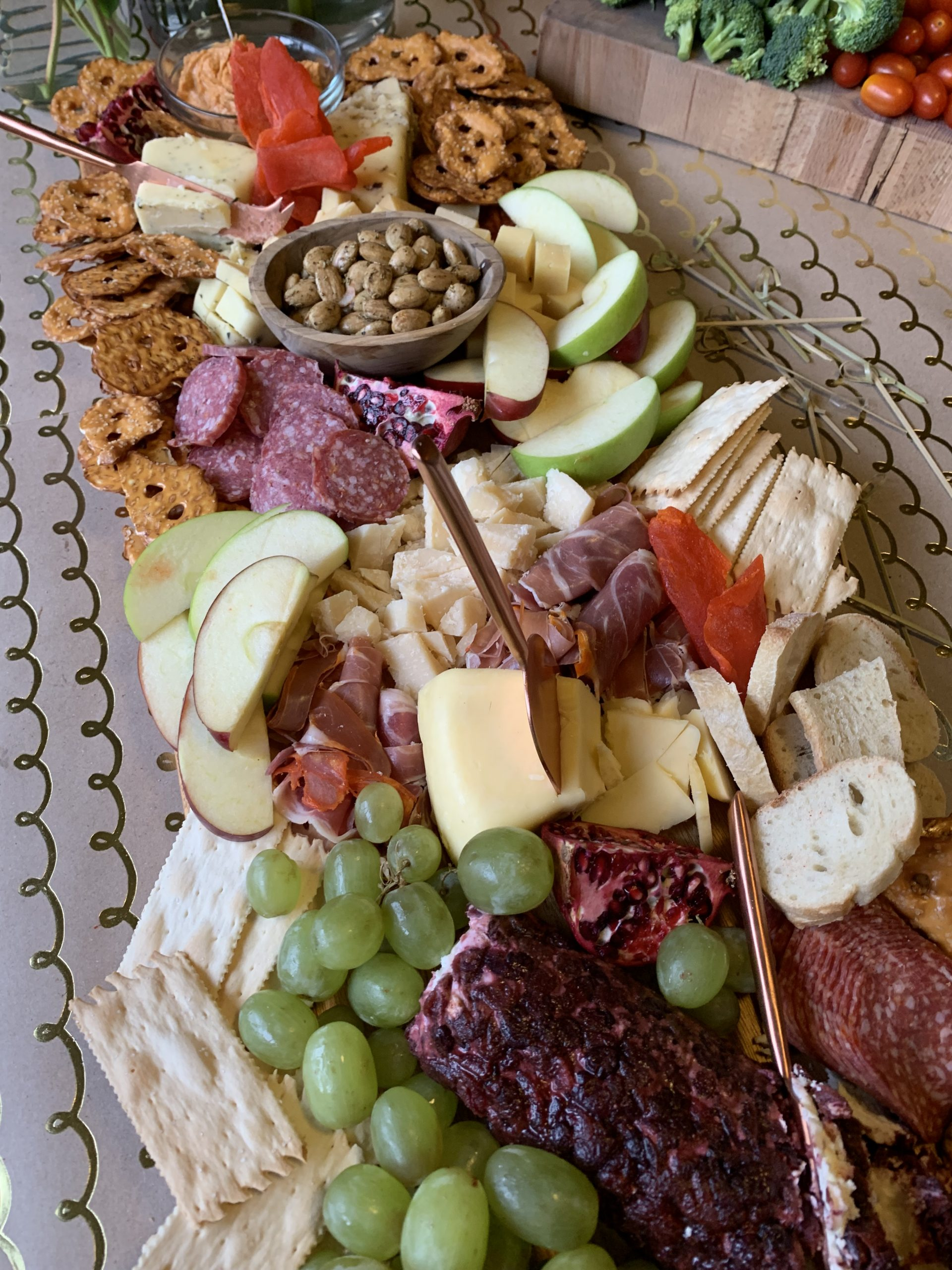 Christmas Eve + My First Grazing Board - Sharing all the details on our Christmas Eve party + creating my first charcuterie grazing board! | Grazing board ingredients - Grazing Board Styling - Grazing board for the holidays