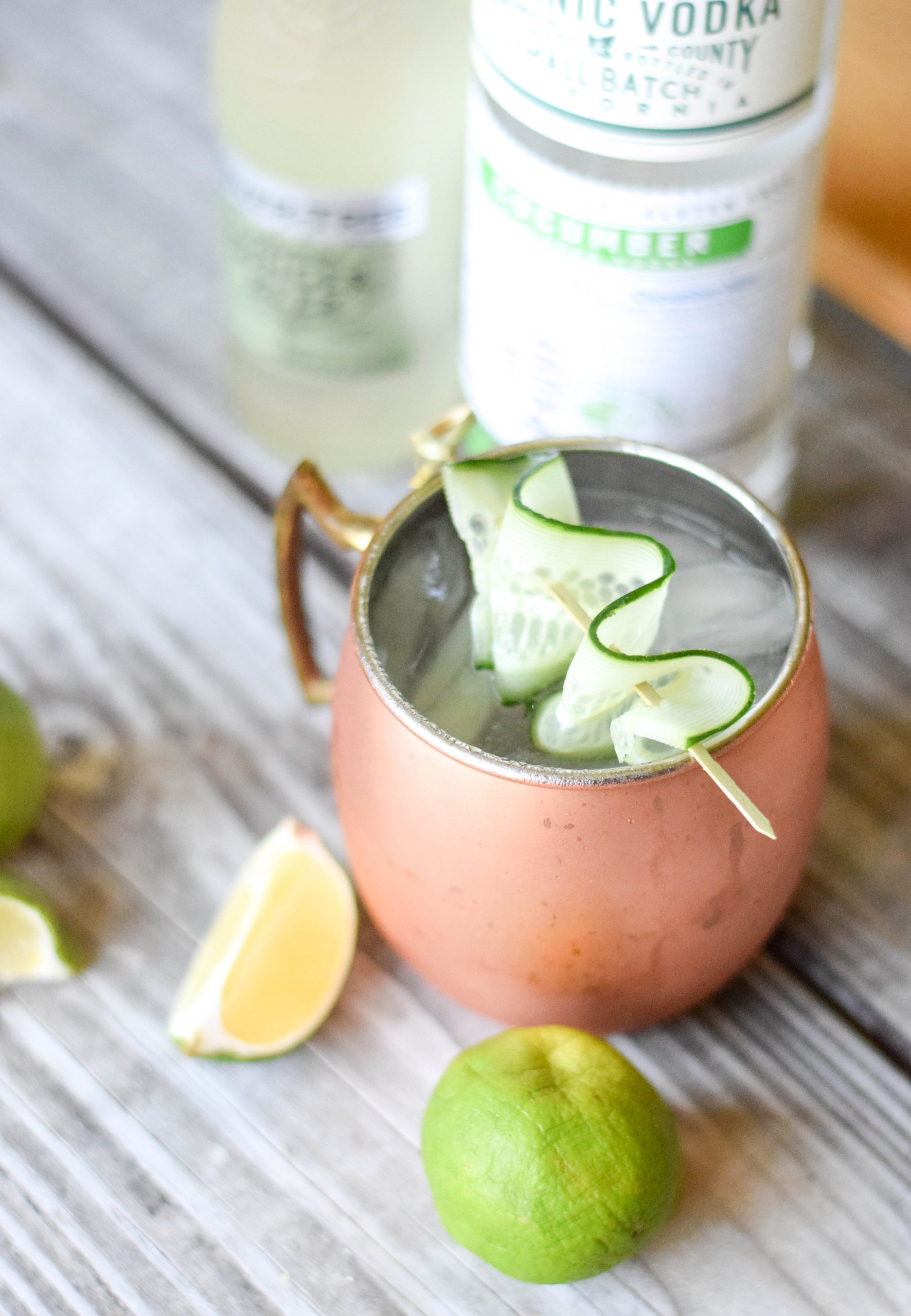 Cucumber Mule Cocktail - An easy and refreshing cocktail made using Hanson Organic Cucumber Vodka + just two other ingredients! | Cucumber Mule Recipe - Cucumber Vodka Mule - Cucumber Moscow Mule - Hanson Organic Vodka - Hanson Vodka