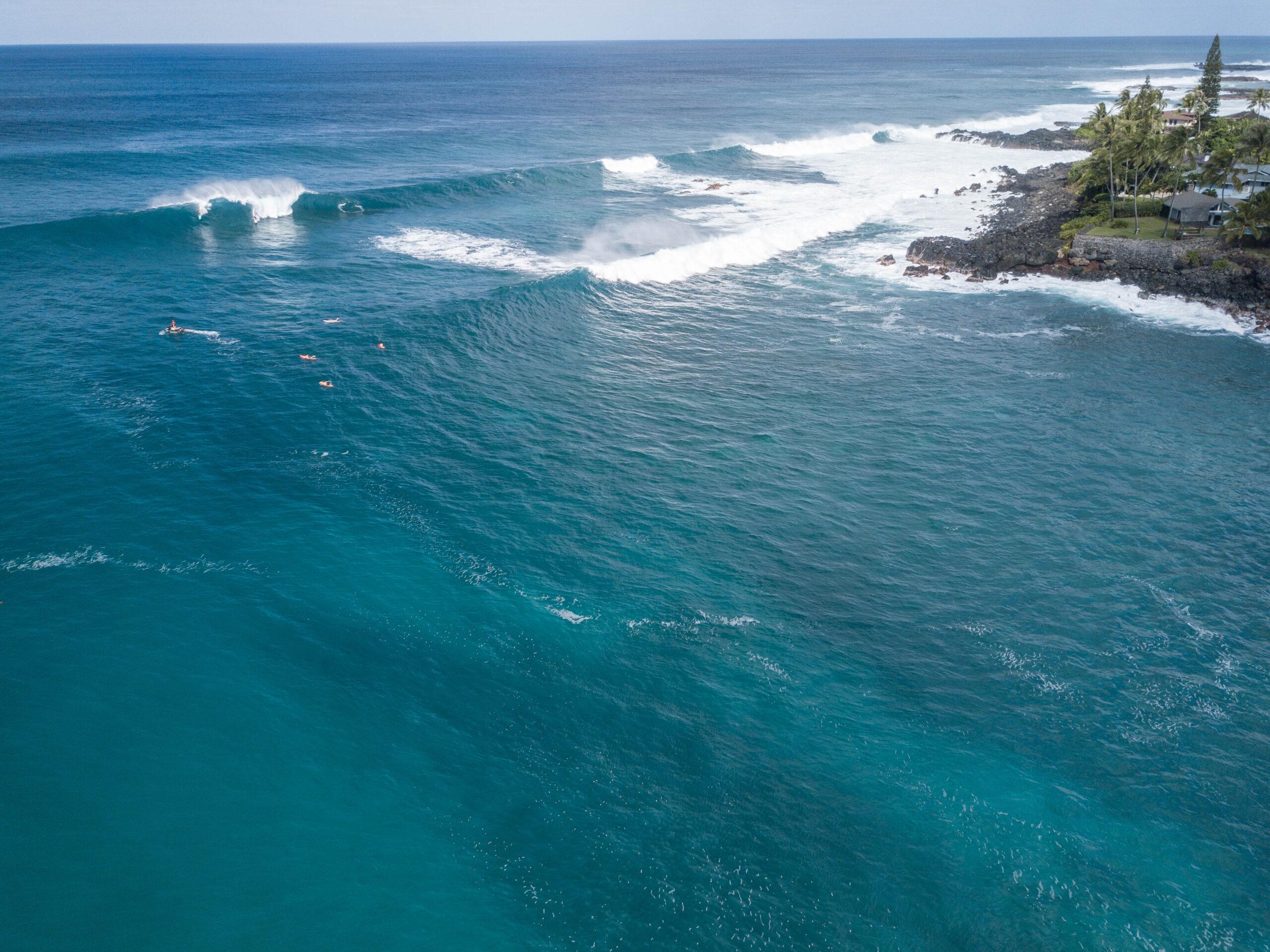 Big wave surfing - Waimea Bay - North Shore Oahu