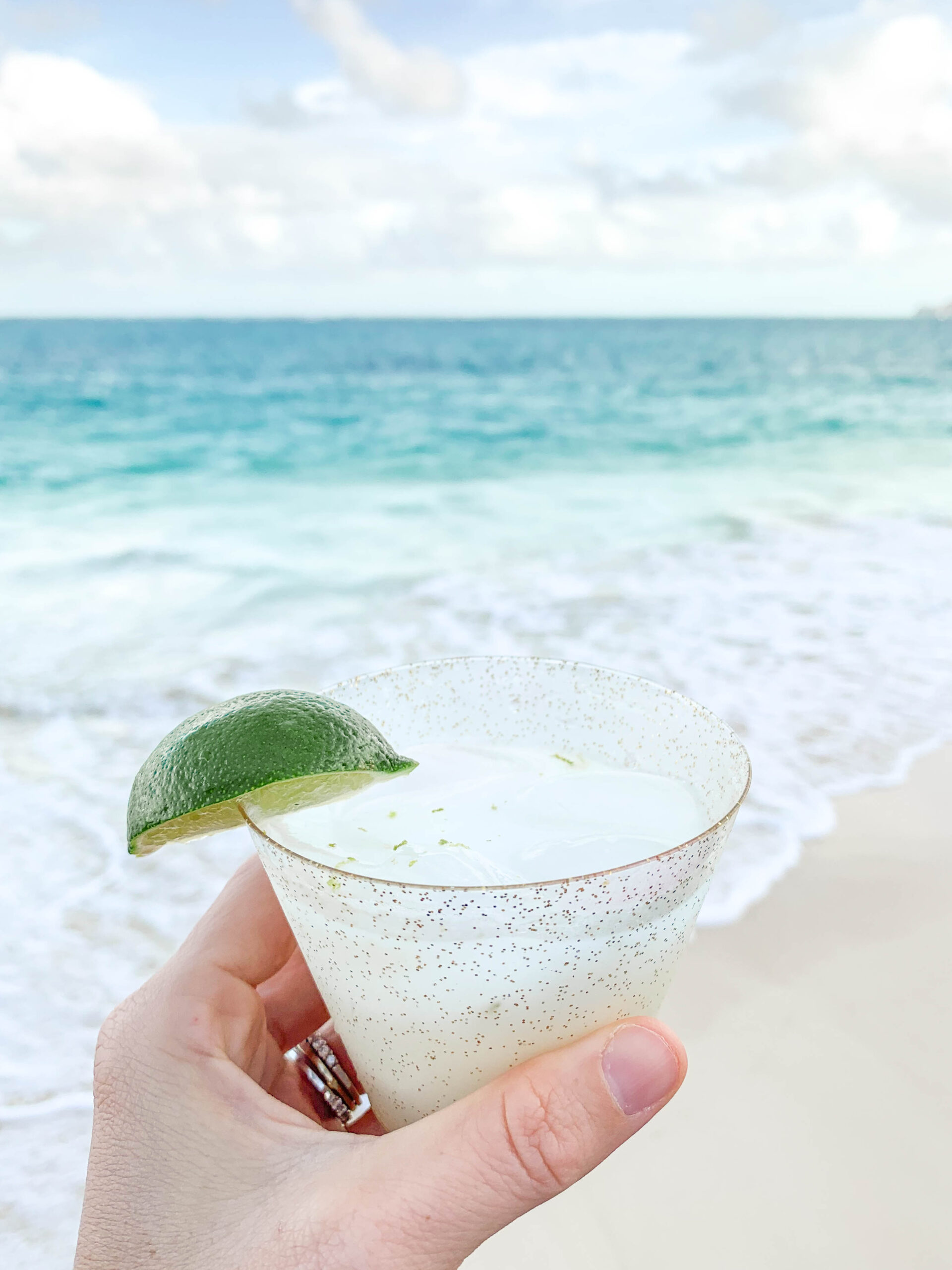 Coconut Lime Margarita - Looking for a fresh margarita recipe? This refreshing Coconut Lime Margarita is simple and delicious! | Coconut Lime Margarita - Coconut Cream Margarita - Simple Margarita Recipe