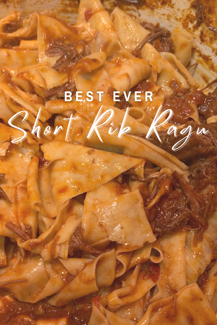 Short Rib Ragu - Looking for a delicious short rib ragu recipe? This braised beef short rib ragu is simple and impressive! | Braised Short Rib Ragu - Beef Short Rib Ragu